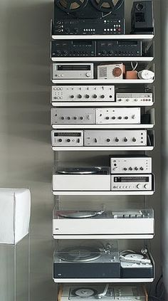 www.iainclaridge.co.jpeg 321×576 pixels #dieter rams