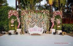 Trendy wedding flower decoration for stage