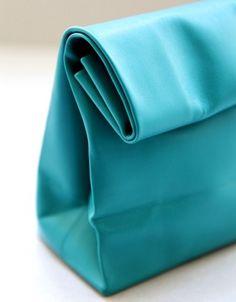 A N V E — SACO DE PAPEL turquoise #fashion #bag #leather