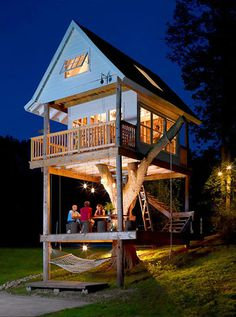 Tom's Treehouse In Wisconsin, Usa #treehouse