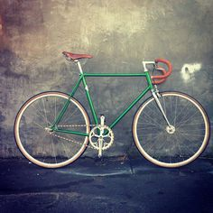 My bike #fixgear #fixed #gear #vintage #bike #street #fix #green