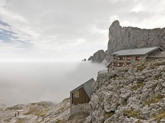 Mimeus Refurbished an Old Winter Bivouac in the Dolomites 2