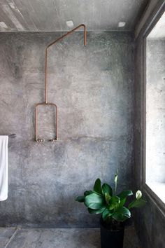 Rustic concrete shower. Home of Wen Hsia and Bc Ang. © Marjon Hoogervorst. #concrete #bathroom #shower