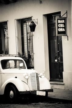 - - | Flickr: Intercambio de fotos #bw #car #antique #typo