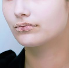 nGloria Coelho Fall 2009.n #fabric #lips #gloria #coelho #textile #fashion #net