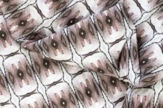 Laura Knoops — Graphic Design, Textile & Video ZigZagZurich #bedding #knoops #pattern #zigzag #tribal #video #vj #textile #bed #linen #zurich