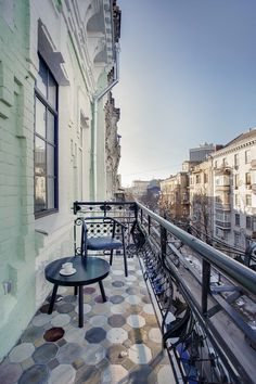 BJ Apartment / Slava Balbek and Anna Riabova