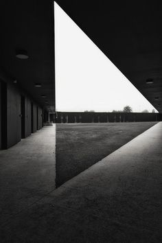 triangle #architecture #white #black #triangle
