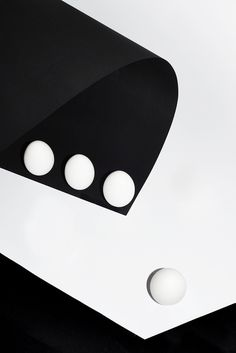 nicolaspolli: From the project176.10965.44 Berlin, 2014 #pingpong #circle #white #black