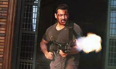 Salman Khan Machine Gun Tiger Zinda Hai Desktop Backgrounds Hd – WallpapersBae