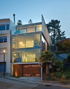 Glass House That Has A Ridiculous View Of The City #interior #house #design #space #architecture #room