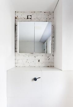 Plywood House by Simon Astridge. #simonastridge #brick #minimal #mirror