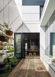 Dark Horse House Architecture Architecture 6