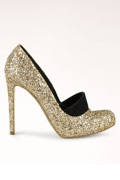 Vegan shoes that don't lose their edge #glitter #shoe #golden #gold #fashion