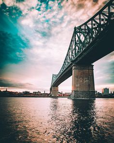 Stunning Urban Instagrams of Montreal by Charles Ouimet