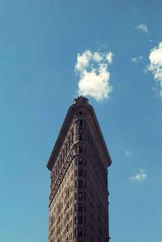 New York City. #NYC #flatiron #sky #artdeco #photography #travel #street #newyork