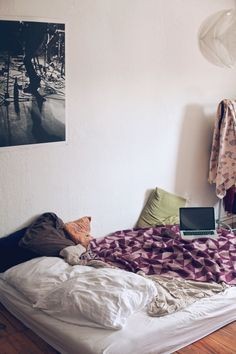 Freunde von Freunden — Sabine Lydia Schmidt — Record Label Owner, Apartment, Gutleutviertel, Frankfurt — http://www.freundevonfreunden.com/inter