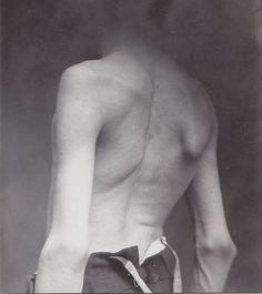 Todos os tamanhos | INTO THAT DARKNESS | Flickr – Compartilhamento de fotos! #man #body #back