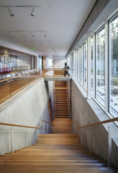 Kimball Museum Extension - Renzo Piano - Double staircase leading to the auditorium.
