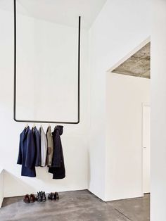 Villa Sissach by Felippi Wyssen. Photo © Mark Niedermann. #entryway #minimalism #felippiwyssen #markniedermann