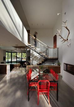 Modern Boulder House Designed for Two Professional Athletes 4