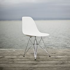 http://rchamizo.tumblr.com/post/15730948617 #furniture #eames