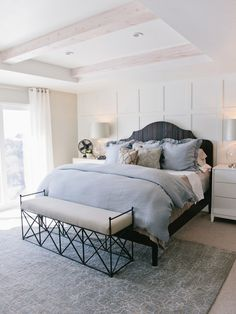 Best Transitional Bedroom Design Ideas & Remodel Pictures | Houzz