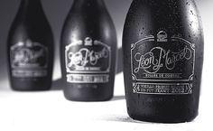 bottle, wine, drink, alcohol, mono, monochromatic, black, white, dark, script, mono line
