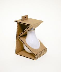 Michelle Wang, Light Bulb - Sustainable Packaging Design