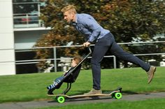 Quinny and Studio Peter van Riet have created the first longboard stroller for families living in urban areas looking for an eco-friendly wa #product #design #industrial