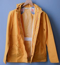 43/115 #yellow #raincoat