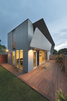 Angular Melbourne House Designed to Support an Active Lifestyle 12