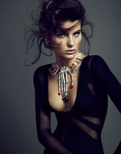 Isabeli Fontana by Sergi Pons for El Pais #model #photo #photography #fashion #beauty