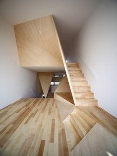 1.jpg (JPEG-kuva, 375×500 kuvapistettä) #interior #alphaville #house #new #town #wood #architecture #kyoto