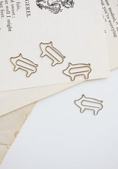 Piggy paper clips from Ruche #clip #paper #pig
