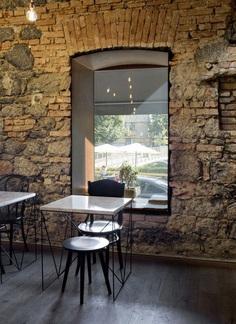 EK Bistro: The Naked Bar in the 19th Century Ljubljana Corner Building 10