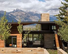 House and Artist's Studio Embracing Spectacular Views in Wyoming #architecture