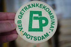 G H O S T A R M Y: Typografie und Grafikdesign auf Berliner Flohmärkten #icon #logo #beer
