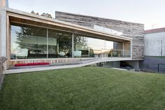 Sustainable and Spectacular: Dezanove House by Iñaki Leite #architecture
