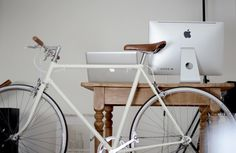 Light grey bike, brown accents #white #bike