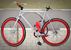 Take out your bike saddle and turn it into a bike lock in less than 30 seconds.