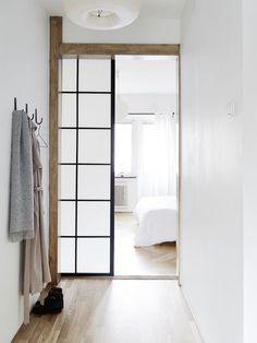 Mix of Japanese and Scandinavian. Via stadshem.se. #door #hallway #minimalism