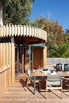 Contemporary Tree House Inspired by Timber Cabins in Cape Town 3