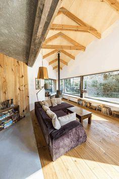 Two-Bedroom Residence Showcasing an Asymmetrical Geometry 11