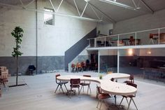 Abandoned Garage became Madrid's Hub Offices | Interiors Design SEB: bottom wall paint