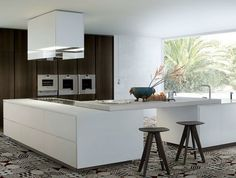 Lacquered Wooden Kitchen With Island by Paolo Piva