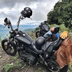 ⚡️More roll, less scroll - Canyon Cruising⚡️#RoadTrippin #WeRiding Bobber Chopper Harley Davidson Motorcycle Lifestyle Custom Cultur