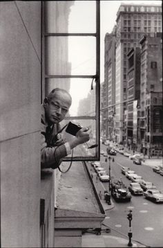 All sizes | Henri Cartier-Bresson, 5th Avenue, by René Burri 1959 | Flickr - Photo Sharing! #bresson #henri #cartier #burri #ren