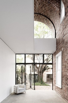 Double height brick vault ceiling. Italianate House by Renato D'Ettorre Architects. © Simone Bossi. #brickvault