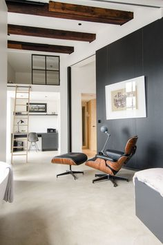 Full Renovation of an Extraordinary Loft for a Young Stock Broker